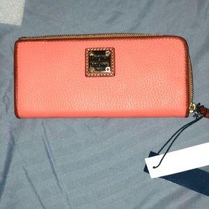 Dooney & Bourke wallet NWT